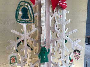 前方後円墳や埴輪や土器がクリスマスモードに